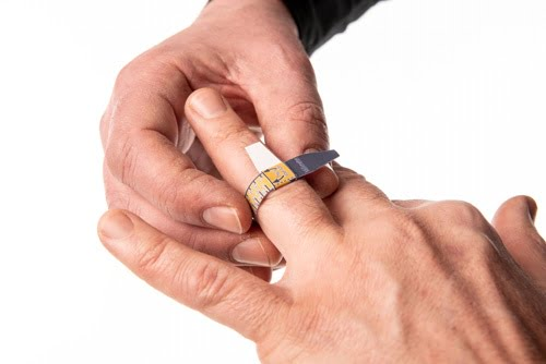 ringsizer-how-can-I measure-the- ring-size-of-my-finger-22